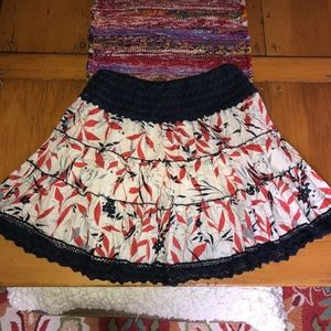 ANTHROPOLOGIE Tiered elastic waist skirt/crochet t